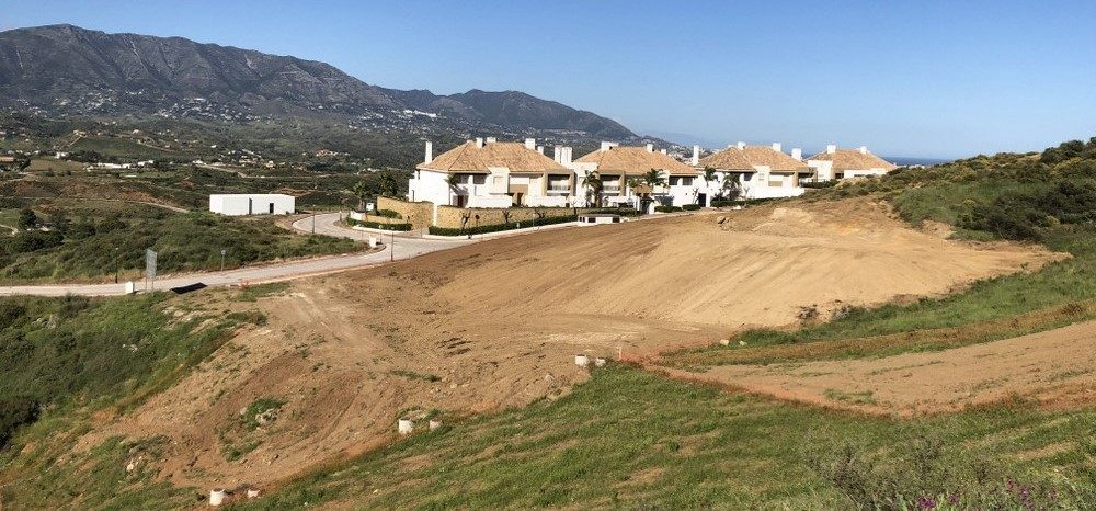 Commercial plot in La Cala Golf