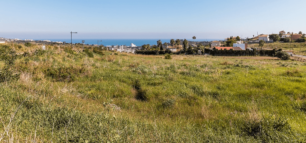 Residential plots in Estepona